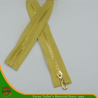 5# Plastic Golden Teeth & Golden Tape Zipper (SZ-066)